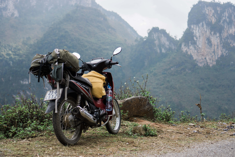 Group Travel, Self Pace, Motorbike, Photo by Đằng Nguyễn on Unsplash