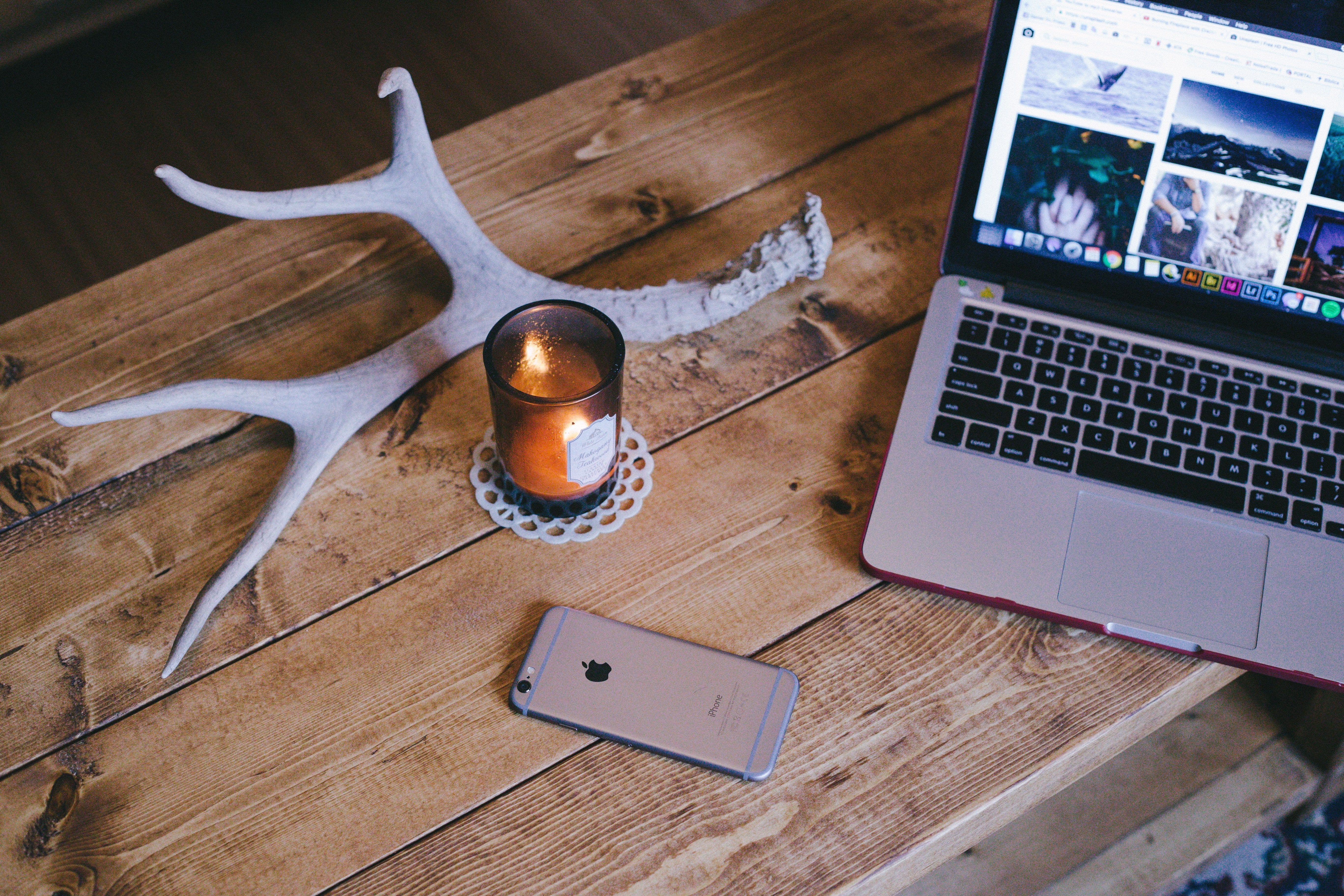 Productivity tips for digital nomad - rustic work area - WiFi Tribe