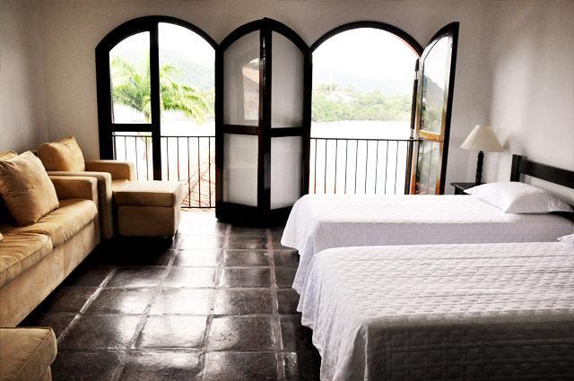 ubatuba-growth-chapter-twin-bedroom